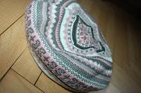 Отдается в дар Зимние аксессуары: берет, перчатки, варежки