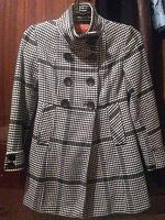 Отдается в дар Новое осенне-весеннее пальто.