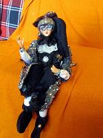 Отдается в дар Венецианская кукла с музыкой