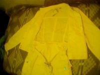 Отдается в дар Желтый костюм(пиджак+юбка)