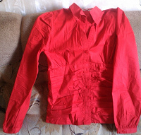 Отдается в дар Красная рубашка)