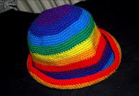 Отдается в дар Радужная шапка
