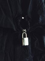 Отдается в дар Блуза Karen Millen England