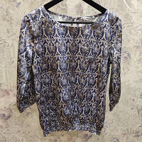 Отдается в дар Блуза блузка кофта 44- 46 размер