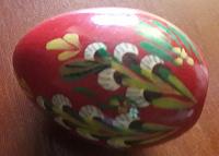 Отдается в дар Деревянное яйцо, кисточка для декора, жестяная баночка