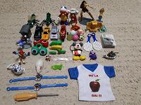 Отдается в дар Маленькие игрушки, брелки, мячики, браслеты и т.д.
