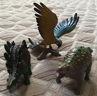 Динозавры и попугай
