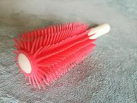 Отдается в дар Аксессуары для волос-щетка, приспособы для объема, для плетения кос