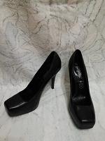 Отдается в дар Женские туфли 39 размера New Look