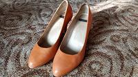 Отдается в дар Оранжевые туфли 40 размера