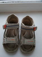 Отдается в дар Детские сандали.