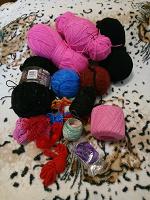 Отдается в дар Нитки для вязания и handmade