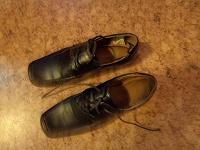 Отдается в дар Туфли для школы