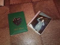 Отдается в дар два альбома с фото
