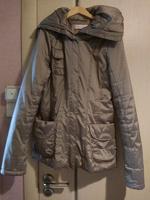 Отдается в дар Женская куртка 42 размер