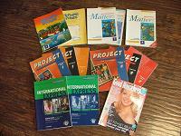 Отдается в дар Книги и диски по иностранным языкам