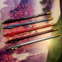 Отдается в дар Косметические карандаши
