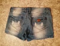 Отдается в дар Шорты джинсовые р. 44-46(М)