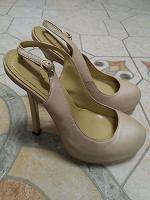 Отдается в дар Женские туфли YSL из натуральной кожи размер 35