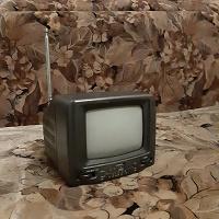 Отдается в дар Телевизор маленький ч/б