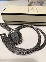 Отдается в дар Часы Swatch & Moschino (не работают)
