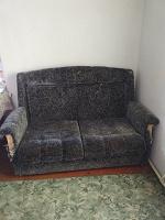 Отдается в дар Диван раскладной и 2 раскладных кресла на дачу.