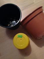 Отдается в дар Горшки цветочные пластиковые 4шт