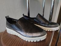 Отдается в дар Обувь женская 38 размер. 5пар.