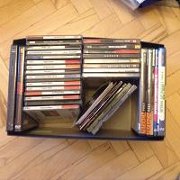 Отдается в дар Диски с музыкой и диски с играми