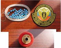 Отдается в дар Нашивка президентских войск, нитки швейные раритет, бусины