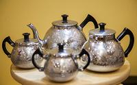 Отдается в дар чайный или кофейный набор — СССР, новый, металл