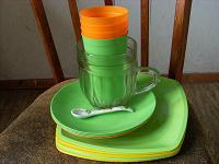Отдается в дар Пластиковая посуда.