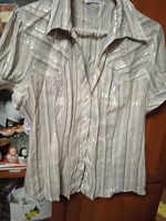 Отдается в дар женская блузка 48 размера