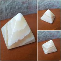 Отдается в дар Пирамидка из оникса