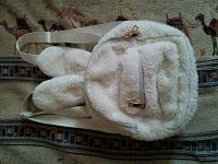 Отдается в дар Меховой рюкзачок-зайчик.