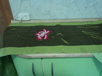 Отдается в дар Дорожка для скатерти или возможно для покрывала.