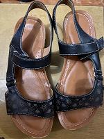Отдается в дар Взуття жіноче, 36