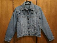 Отдается в дар Куртка джинсовая 44 — 46