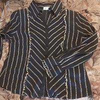 Отдается в дар Две женских блузки