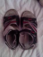 Отдается в дар Обувь на мальчика. Лето.