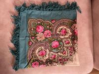 Отдается в дар Бирюзовый платок из шерсти 90х90