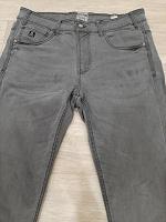 Отдается в дар джинсы мужские