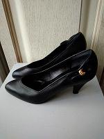 Отдается в дар Женские туфли 37