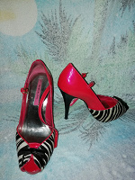 Отдается в дар Женские туфельки 37 размера River Island
