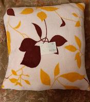 Отдается в дар 2 декоративные подушки
