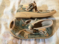 Отдается в дар Обувь детская.