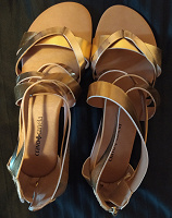 Отдается в дар Туфли и сандалии