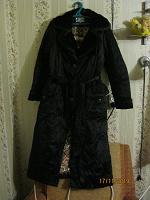 Отдается в дар утепленное пальто 46-48 рр