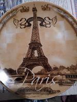 Отдается в дар Декоративная тарелка Париж