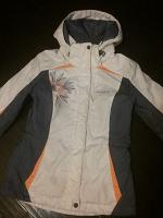 Отдается в дар Куртка-ветровка, 42 размер